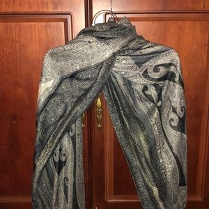 🧣Sparkly Black & Gold Paisley Shawl/ Scarf